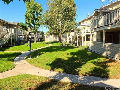 Garden Grove Condo/Townhouse For Sale: 6962 Brightwood Lane #24