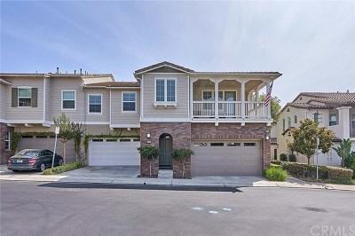 Yorba Linda Condo/Townhouse For Sale: 3984 Emerald Downs Drive