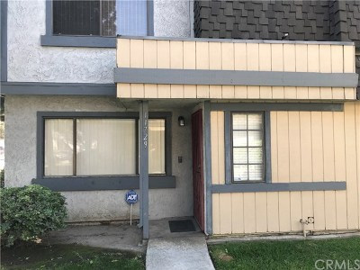 Lakewood Condo/Townhouse For Sale: 11729 207th