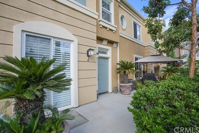 Santa Ana Condo/Townhouse For Sale: 3411 S Main Street #J