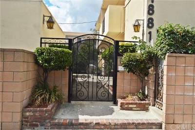 North Hollywood Condo/Townhouse Active Under Contract: 4881 Cleon Avenue #4