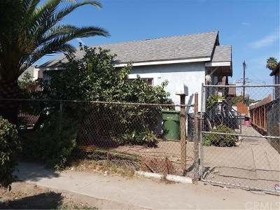 Los Angeles Multi Family Home For Sale: 751 E 76th Place