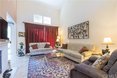 Irvine Condo/Townhouse For Sale: 3 Haggerston Aisle