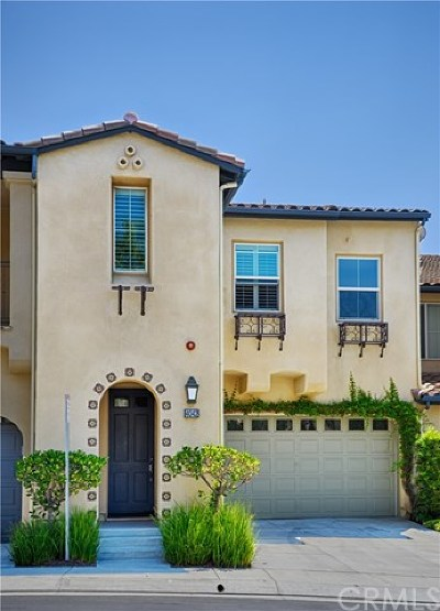 Yorba Linda Condo/Townhouse For Sale: 4042 Emerald Downs Drive