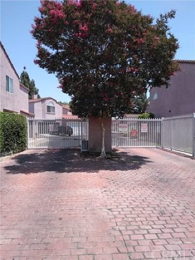 Compton Condo/Townhouse For Sale: 183 Racquet Club Drive