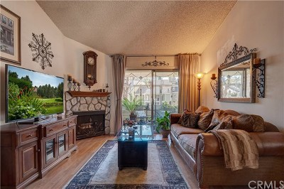 Yorba Linda Condo/Townhouse For Sale: 5905 Portsmouth Road #257