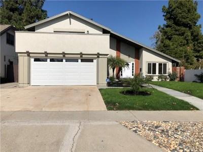 Santa Ana Single Family Home For Sale: 401 W Keller Avenue