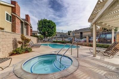 Costa Mesa Condo/Townhouse For Sale: 122 Eucalyptus Lane