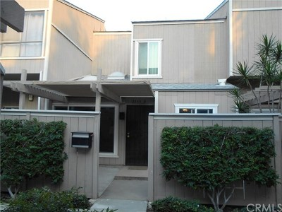 Santa Ana Condo/Townhouse For Sale: 2955 S Fairview Street #D