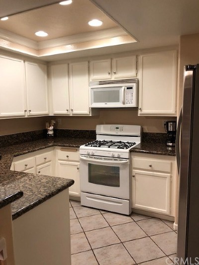 Yorba Linda Condo/Townhouse For Sale: 6365 Nantucket Lane #13