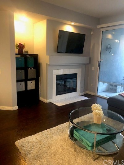 Corona Condo/Townhouse For Sale: 380 Via Capri #104