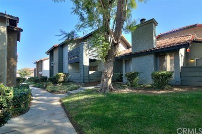 Corona Condo/Townhouse For Sale: 1310 Brentwood Circle #B