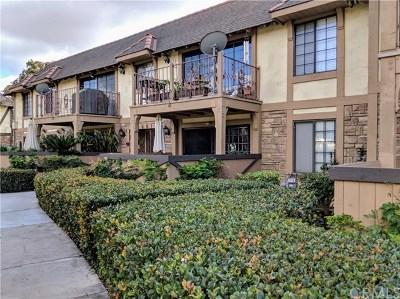 Santa Ana Condo/Townhouse For Sale: 3661 S Bear Street #D