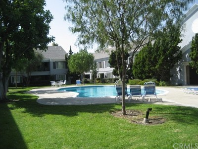Fullerton Condo/Townhouse For Sale: 1541 S Pomona Avenue #A39
