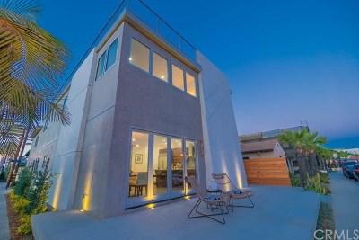 Long Beach Single Family Home For Sale: 93 Corinthian