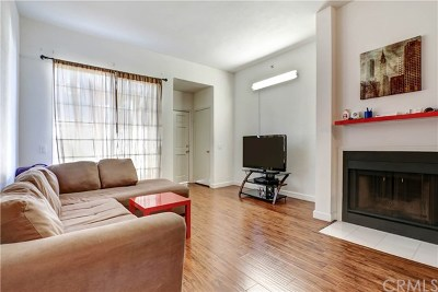 Brea Condo/Townhouse For Sale: 205 S Redwood Avenue #F29