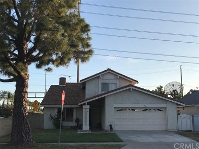 Santa Ana Single Family Home For Sale: 2102 W Moore Avenue