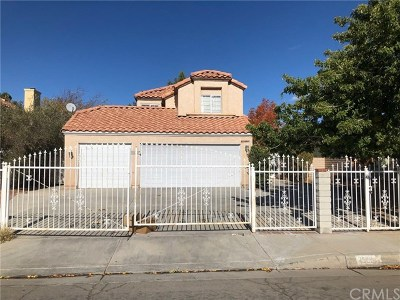 Palmdale Single Family Home For Sale: 1523 Berkshire Drive