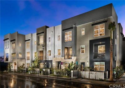 Irvine Condo/Townhouse For Sale: 2246 Synergy Drive