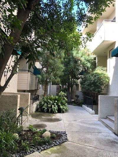 Studio City Condo/Townhouse For Sale: 4515 Coldwater Canyon Avenue #3