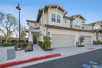 Yorba Linda Condo/Townhouse For Sale: 16708 Clubhouse Drive
