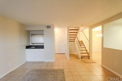 Gardena Condo/Townhouse For Sale: 1239 W Rosecrans Avenue #41