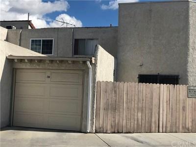Garden Grove Condo/Townhouse For Sale: 13883 Magnolia Street