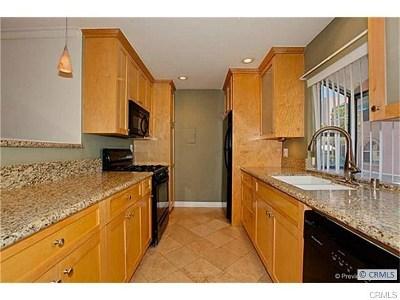 Garden Grove Condo/Townhouse For Sale: 13955 Torrey Pine Lane #14