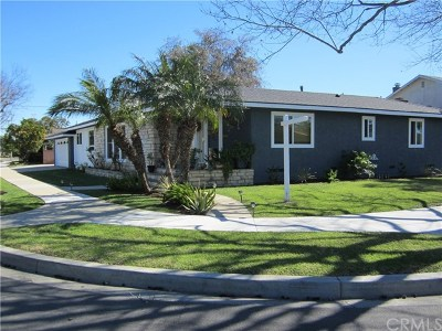 Long Beach Single Family Home For Sale: 1860 N College Circle