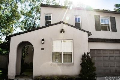 Irvine Condo/Townhouse For Sale: 92 Avondale #47