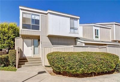Santa Ana Condo/Townhouse For Sale: 2810 W Segerstrom Avenue #D