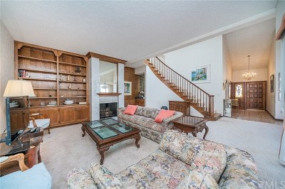 Long Beach Condo/Townhouse For Sale: 6249 Riviera Circle