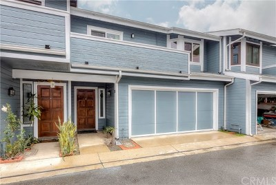 Anaheim Condo/Townhouse Active Under Contract: 1260 E La Palma Avenue #F
