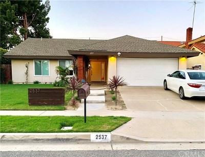 Santa Ana Single Family Home For Sale: 2537 W Hall Avenue