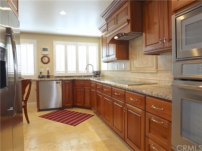 Long Beach Condo/Townhouse For Sale: 6216 Riviera Circle