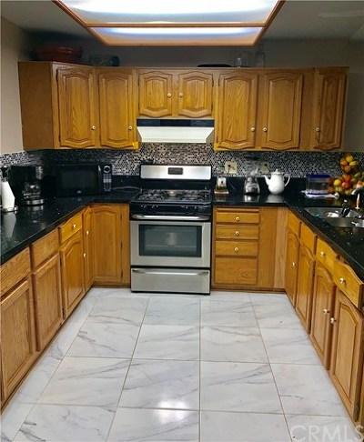 Corona Single Family Home For Sale: 1025 W Citron St. Corona