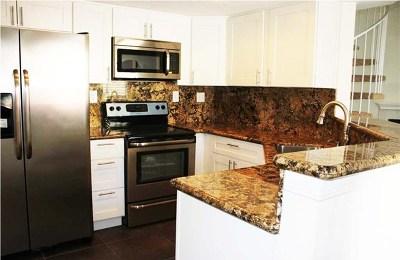 Phillips Ranch Condo/Townhouse For Sale: 3557 Legato Court