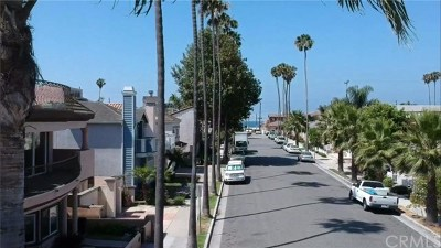 Seal Beach Multi Family Home For Sale: 134 13th Street