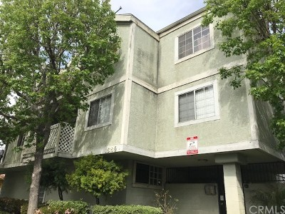 Long Beach Condo/Townhouse For Sale: 1566 Pine Avenue #103A