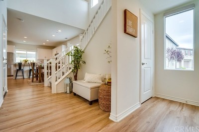 Long Beach Single Family Home For Sale: 230 W Ridgewood