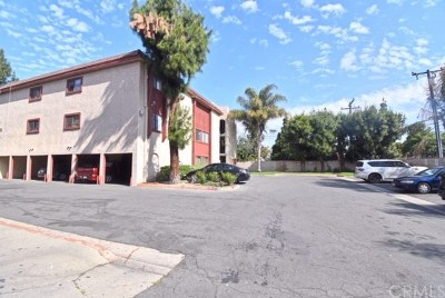 Santa Ana Condo/Townhouse For Sale: 1025 Bishop Street
