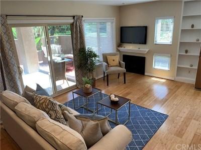 Huntington Beach CA Condo/Townhouse For Sale: $575,000