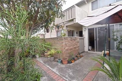 Santa Ana Condo/Townhouse For Sale: 5126 W 1st Street #C