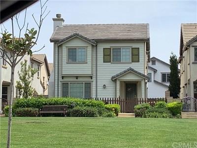 Corona Condo/Townhouse For Sale: 428 Merced Court