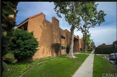 Huntington Beach Condo/Townhouse For Sale: 6600 Warner Avenue #110