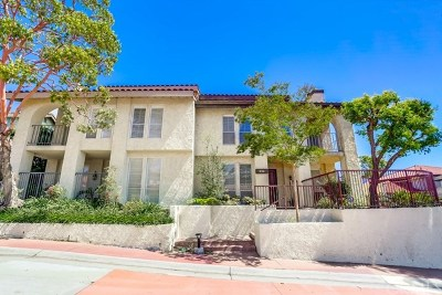 Long Beach Condo/Townhouse For Sale: 652 Avery