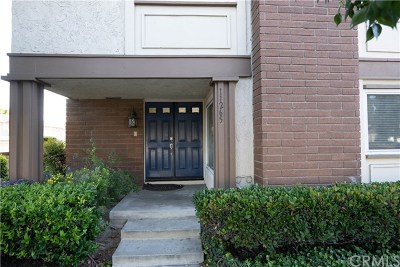 Cypress Condo/Townhouse For Sale: 11265 Knott Avenue