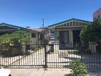 Long Beach Multi Family Home For Sale: 1372 Lewis Avenue