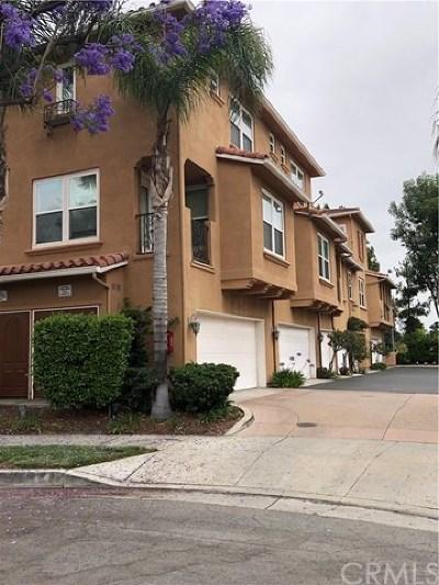 Pasadena Condo/Townhouse For Sale: 453 N Altadena Drive #8