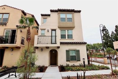 Santa Ana CA Single Family Home For Sale: $675,000